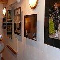 """Węgorzewo - otwarcie wystawy fotografii Stowarzyszenia Fotografików przy Muzeum Etnograficznym Wileńszczyzny w Niemenczynie """"Obrazy obiektywem rysowane #Angerburg #MuzeumKulturyLudowej #Węgorzewo"""