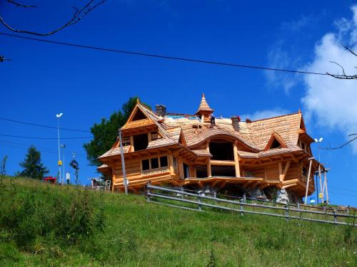Budowa nowego domu w starym stylu