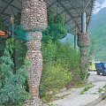 Kolumny z kamieni - w drodze do Wąwozu Skaczącego Tygrysa #Chiny