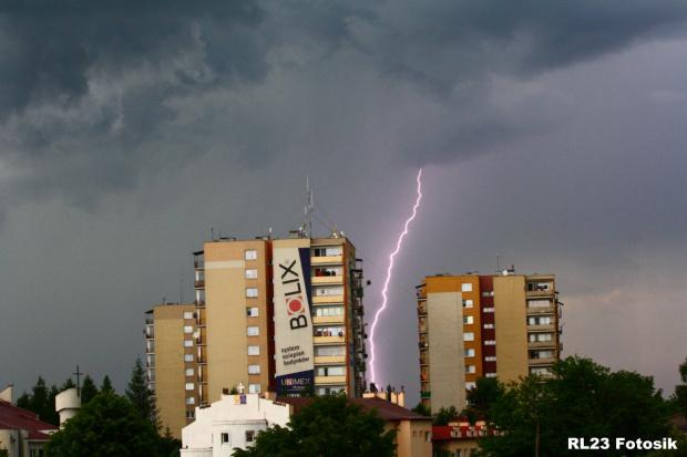 Pioruny #pioruny #błyskawice #WyładowaniaAtmosferyczne #burza